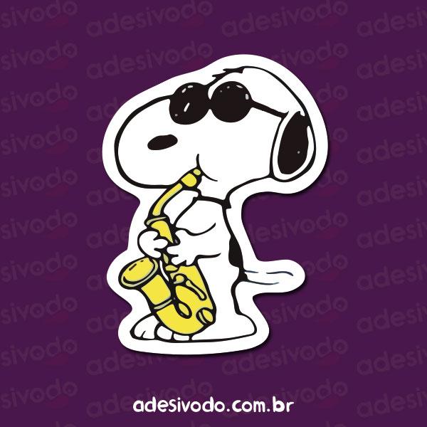 Adesivo do Snoopy tocando Saxofone